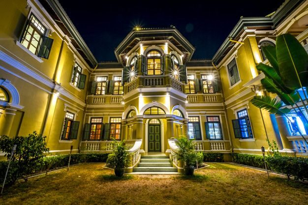 luxury house bachelor party