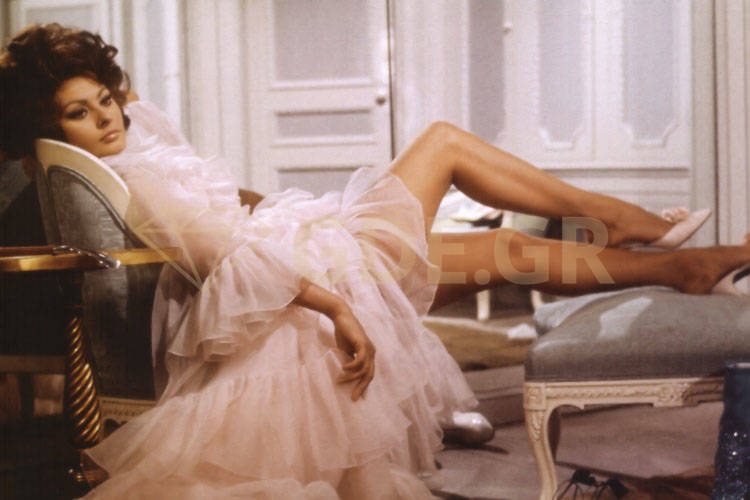 Γυμνές φωτογραφίες της Σοφίας Λόρεν παραμένουν top 50 χρόνια μετά!