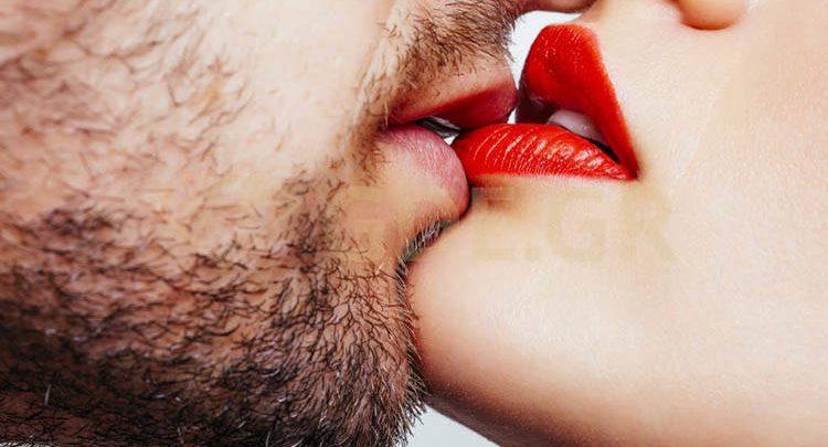 French kiss: Όλα όσα πρέπει να γνωρίζετε για το γαλλικό φιλί