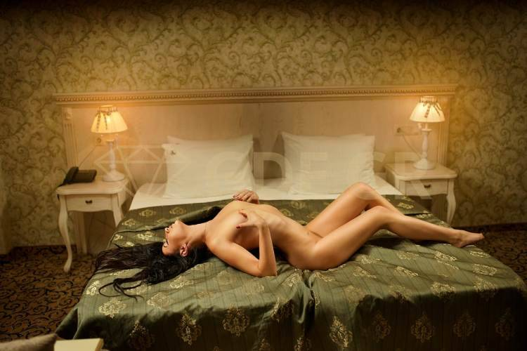 TOP ESCORTS ATHENS VIP CALL GIRLS VLADA