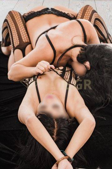 GREEK ATHENS SEXY ESCORT PAOLA WITH SEXY NIKOL